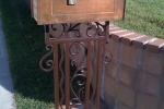 mail-box-stand