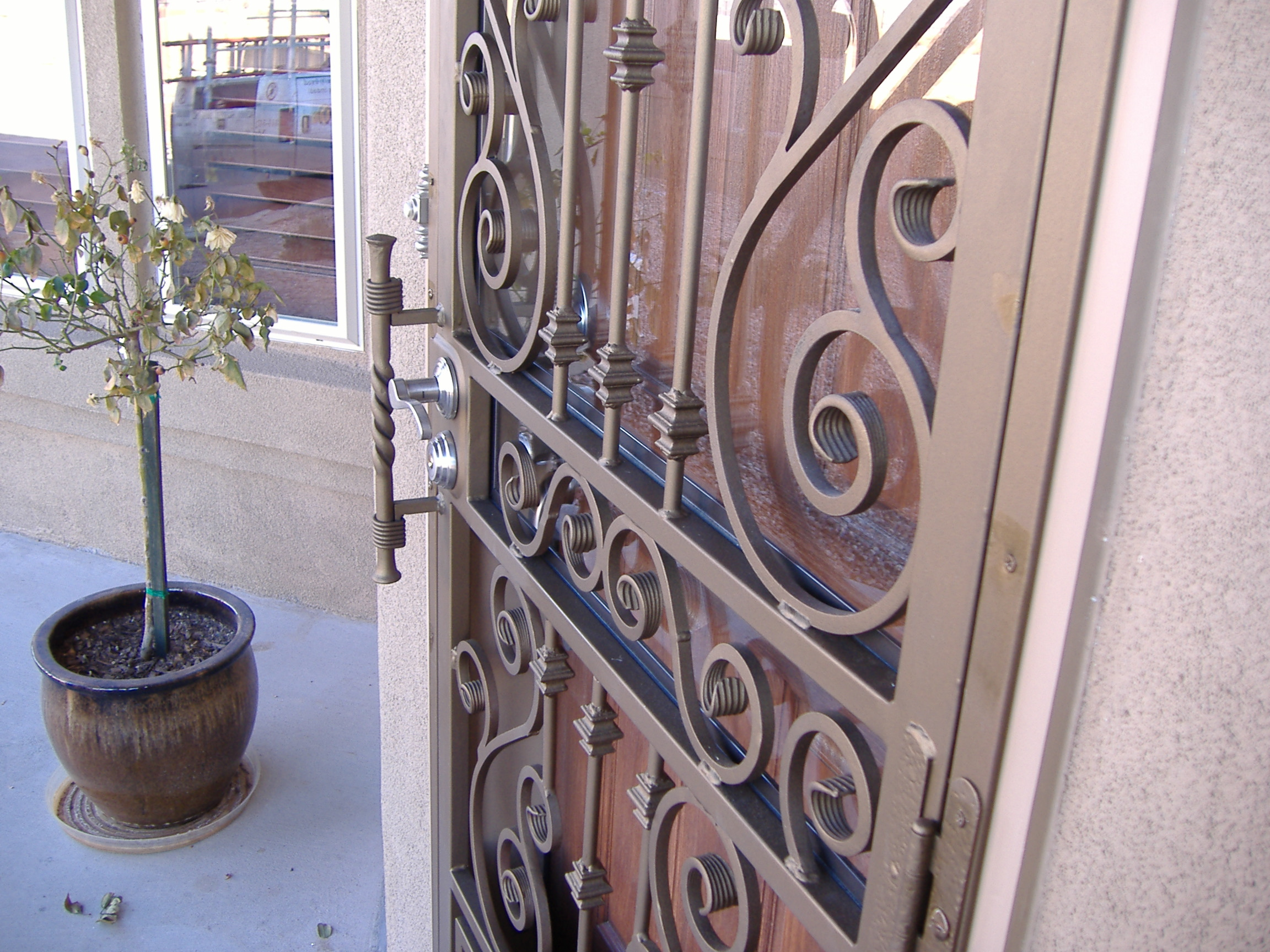 Door accesories